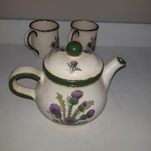 Rae duncan set of Teapot and 2 mug, hand painting